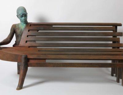 Künstler Jesús Curiá #1 - Big Bench I Bronze, 2014, 112 x 200 x 84 cm - Galerie Hegemann
