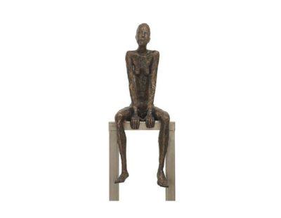 k-Künstler Tina Heuter - heuter_sitzende560 - Galerie Hegemann