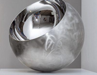 Ronald A. Westerhuis, Shine small, 2016, Edelstahl Durchmesser 40 cm - Galerie Hegemann