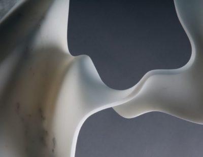 Sylvestre, Fuga, 2017, Marmor, 70 x 57 x 20 cm (Detail), Unikat - Galerie Hegemann
