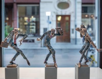 VITALI SAFRONOV Kandidaten, 2019, Bronze, je 19 cm - Galerie Hegemann