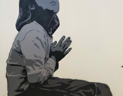ALIAS Praying, 2018, MT auf Bütten, 70x50 cm, Auflage 7 - GALERIE HEGEMANN