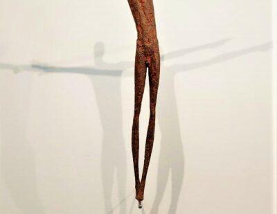 Gerald Moroder, Balance, Ziegelerde, 52 cm - GELAREI HEGEMANNrald M