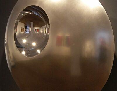 R.A. Westerhuis, Shine, 2019, Edelstahl, 100x37 cm