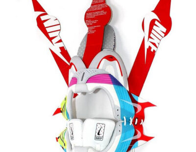 Peintre X, KI_NM_4, 2021, Nike Sneaker, 50 cm - Galerie Hegemann